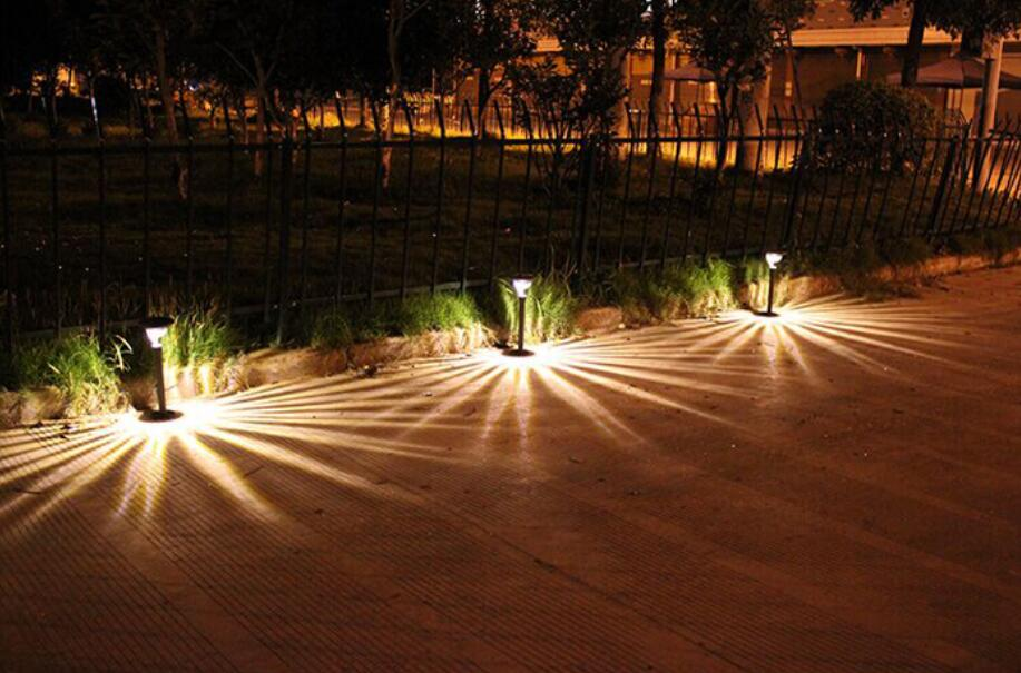 Warm White LED Solar Garde Light