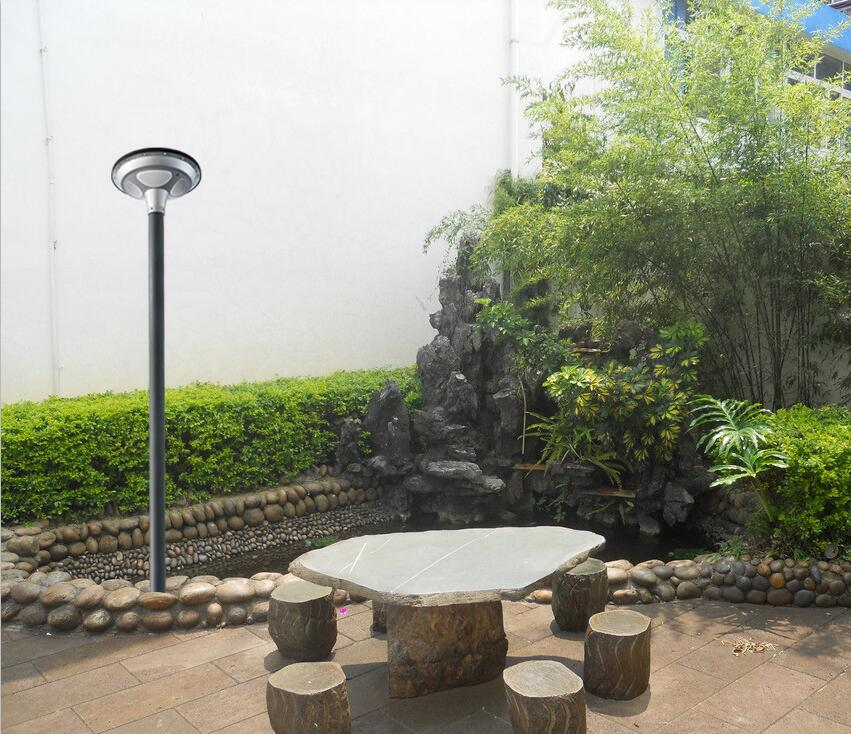 UFO solar plaza light
